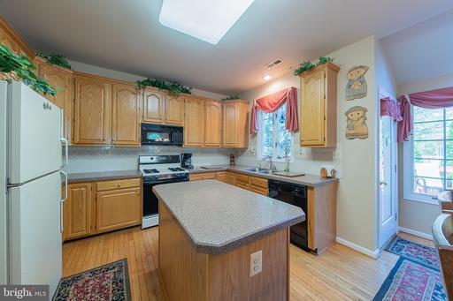 3724 Freehill Ln Fairfax VA 22033