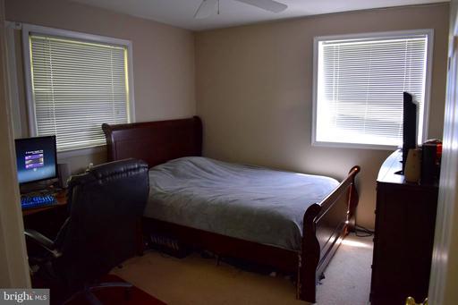 14701 Lock Dr Centreville VA 20120
