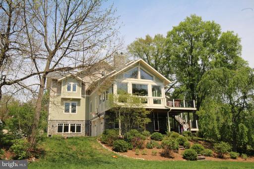 5516 Summit St Centreville VA 20120