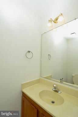 6726 Jenny Leigh Ct Centreville VA 20121