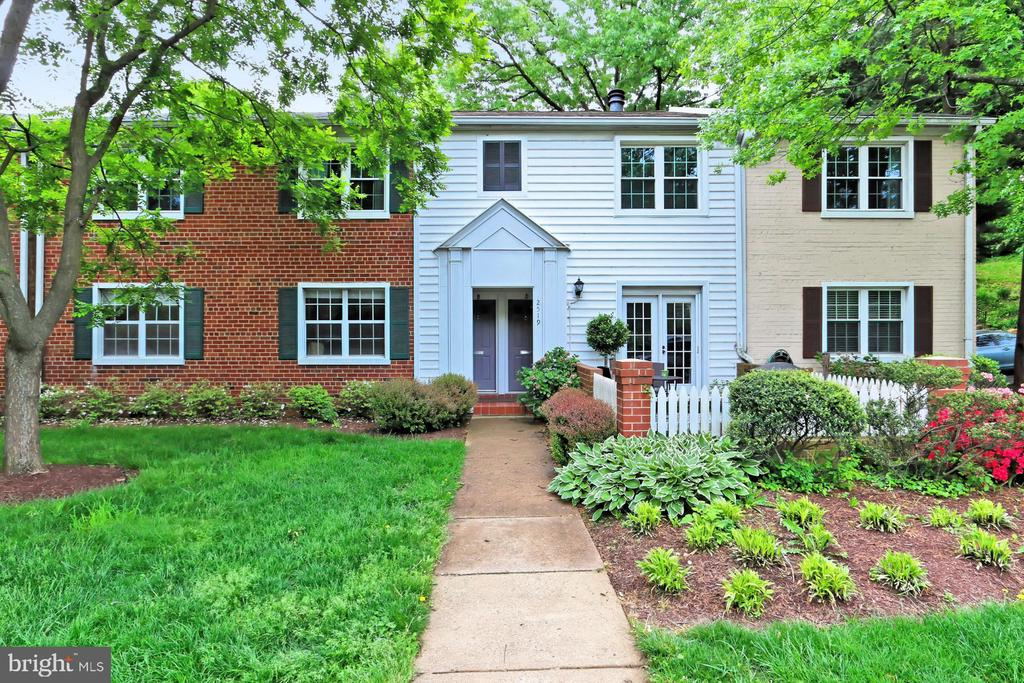 2519-A S Walter Reed Dr