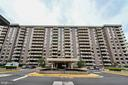1808 Old Meadow Rd #1015