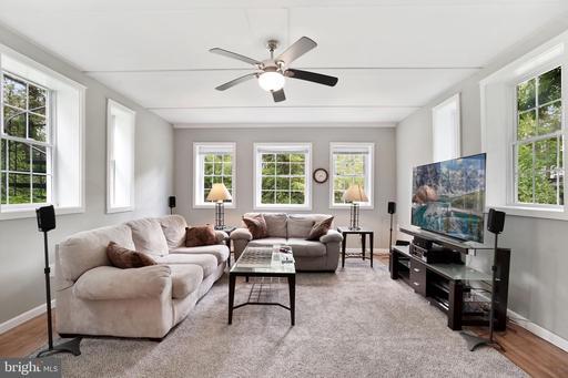 1817 N Glebe Rd, Arlington 22207