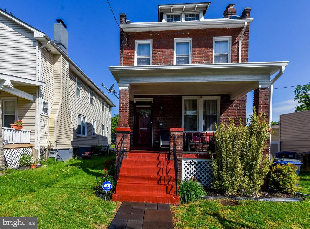 Watch your buyer fall in love w/this renovated 4BR 2FB single family home.   It's sun-filled open floor plan features  updated kitchen w/ cherry cabinets and stainless steel appliances, hardwood floors,  bedroom  & bath on the main level, brick fireplace, fully finished basement w/wet bar, 2-car driveway, fresh paint, new porch roof, new sump pump, deck, lovely yard  and more!  Close to METRO.