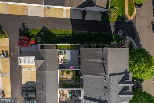 43068 Eustis St Chantilly VA 20152