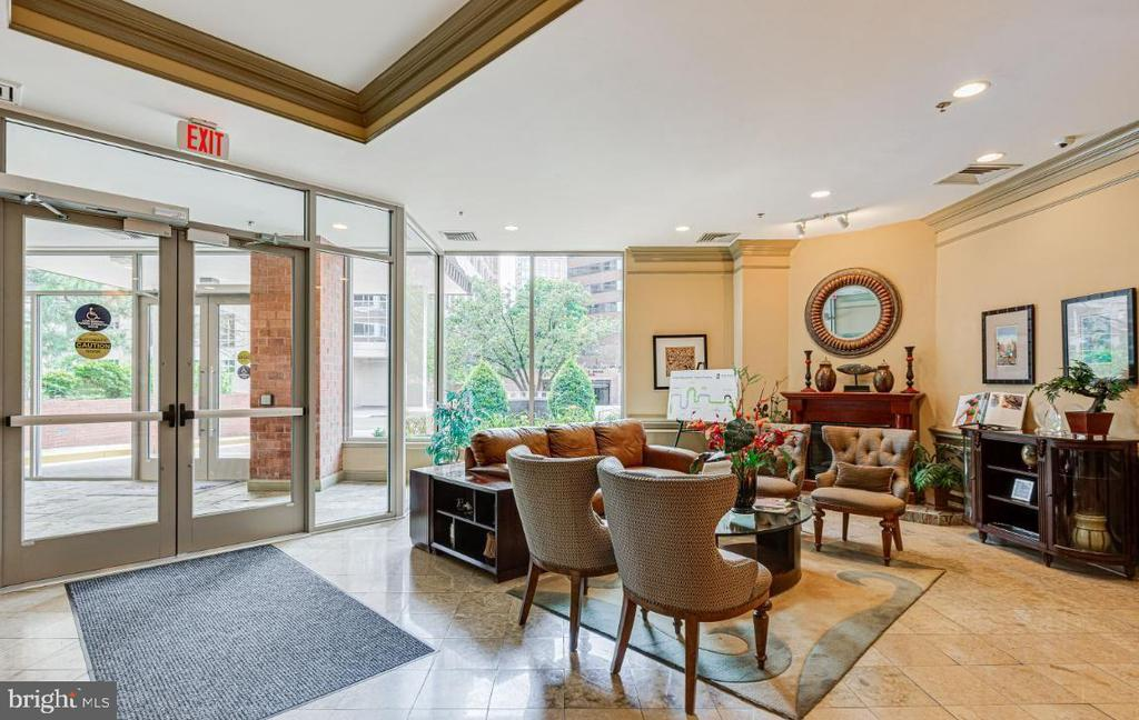 Photo of 1001 N Vermont St #311