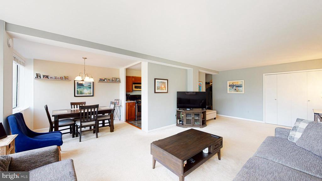 Photo of 6621 Wakefield Dr #202