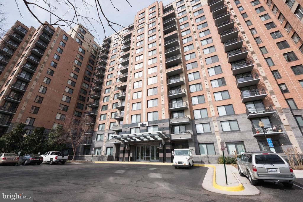 Photo of 2451 Midtown Ave #905