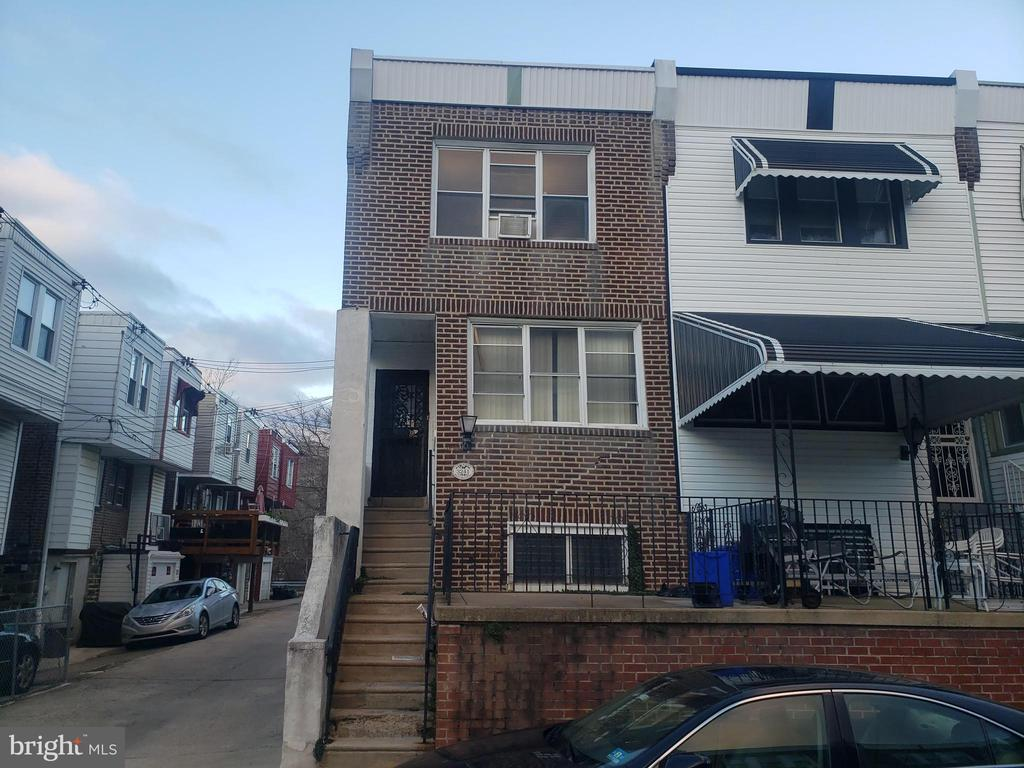 Fantastic opportunity to own a large end of the row home in Allegheny West. Drive by only No interior showings, property is occupied by an illegal SQUATTER/ no lease relationship, Buyer is responsible for removing occupant. Buyer is responsible for U&O certifications. Recent comps in the area sold for over 300k,  Property  is functional but in need of some renovations. Great location near Manyunk, Ridge Avenue restaurants and public transportation. Property SOLD AS IS