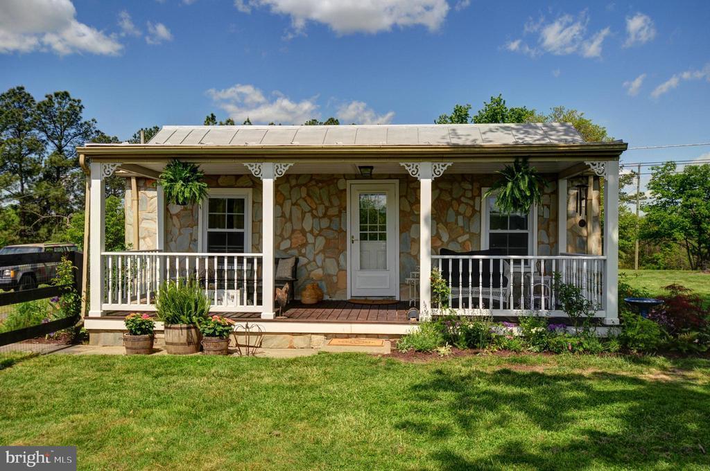 600 White Oak Rd, White Post, VA 22663