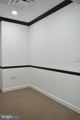 14631 Lee Hwy #302 Centreville VA 20121