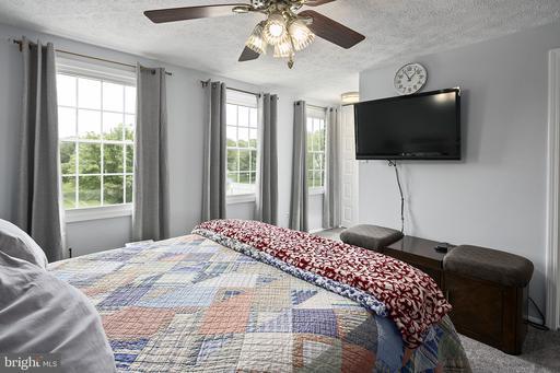 13201 Custom House Ct Fairfax VA 22033