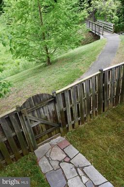 13843 Laura Ratcliff Ct Centreville VA 20121