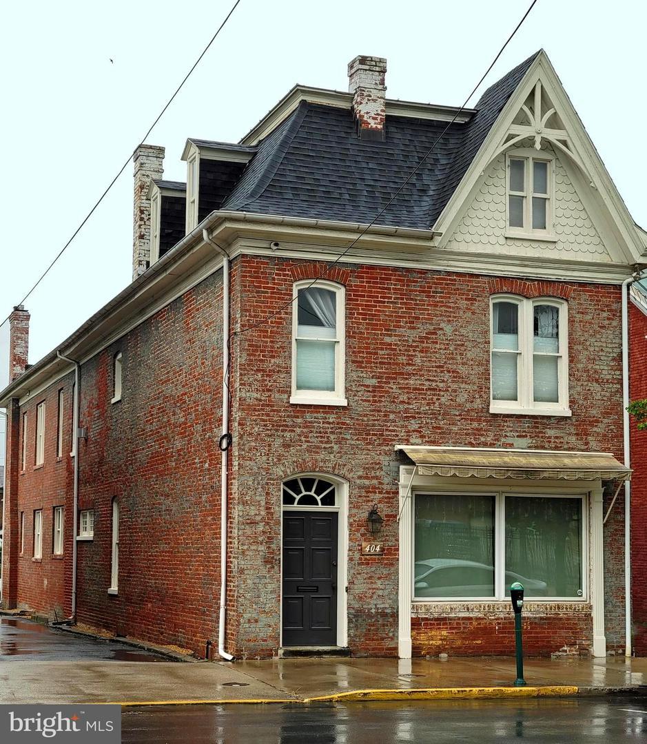 Martinsburg                                                                      , WV - $470,000