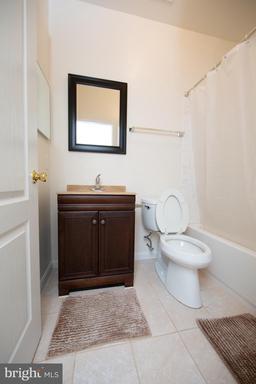 13982 Sawteeth Way Centreville VA 20121