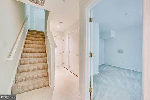 8852 Mansion View Ct Vienna VA 22182