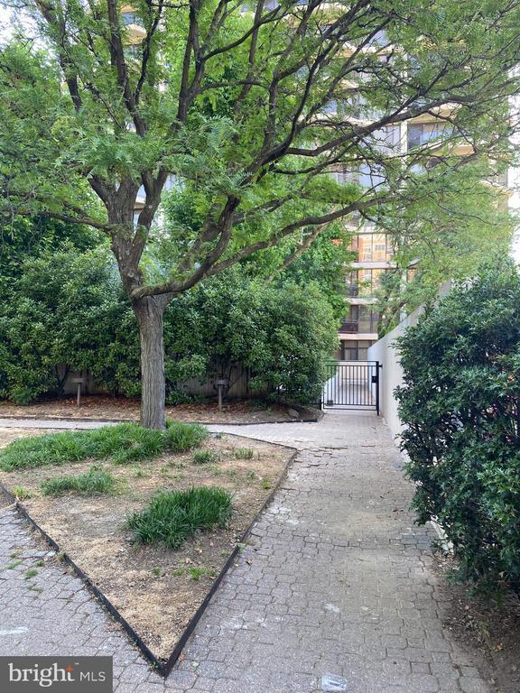 Photo of 1530 Key Blvd #426