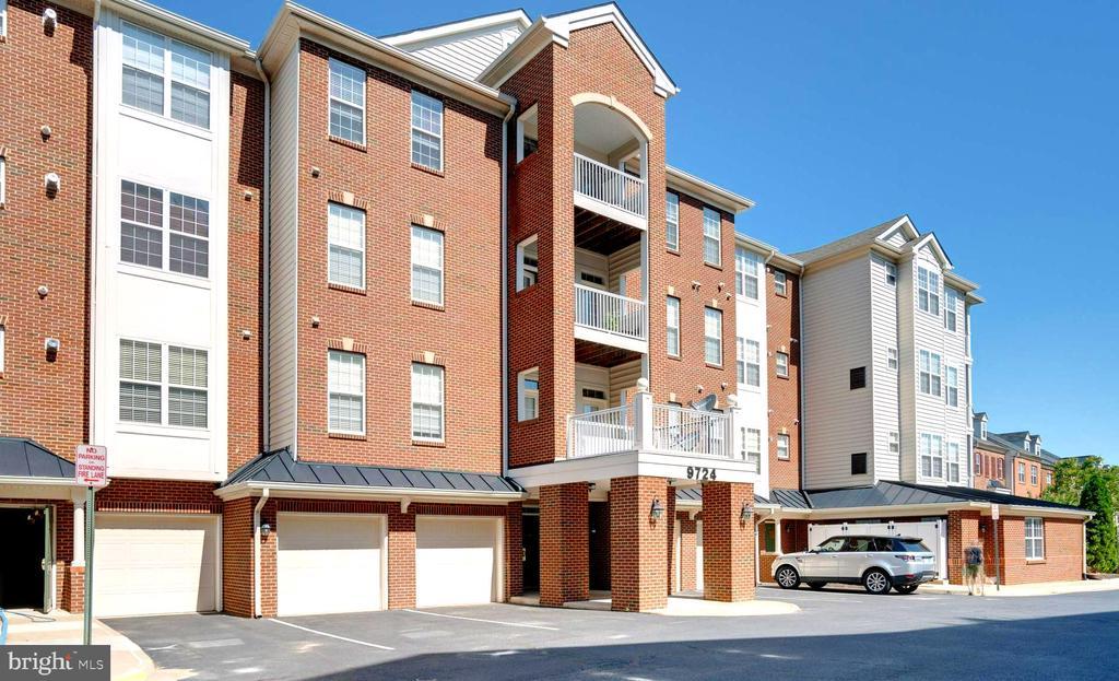 9724 Holmes Pl #103, Manassas Park, VA 20111