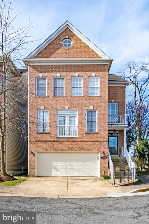7159 Pennys Town Ct, Annandale, VA 22003