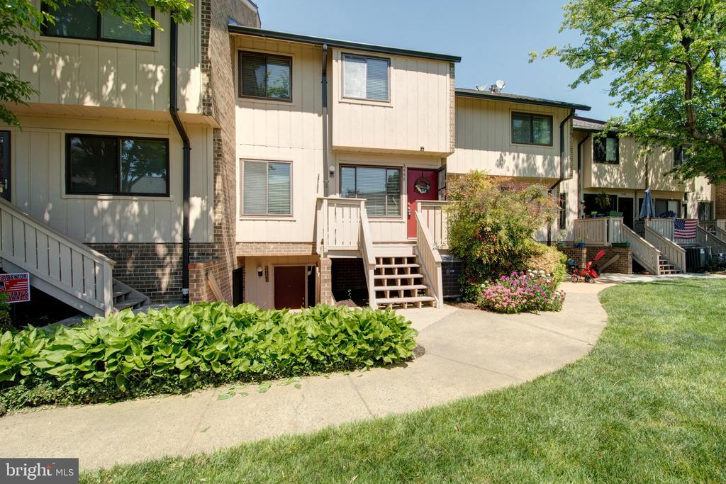 Photo of 2448 Glengyle Dr #244