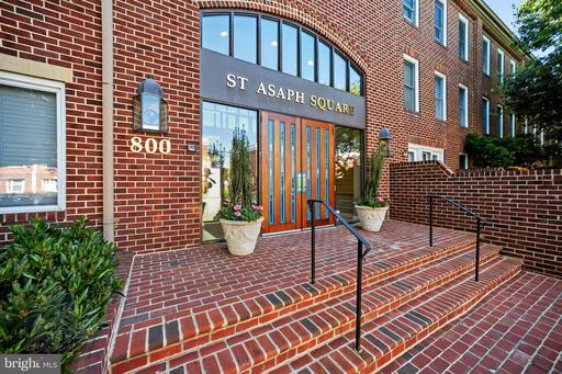 800 S Saint Asaph St #203