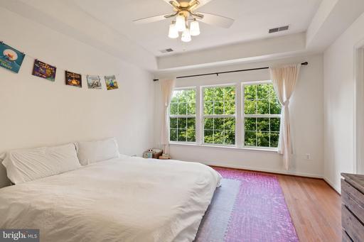 8585 Wyngate Manor Ct Alexandria VA 22309