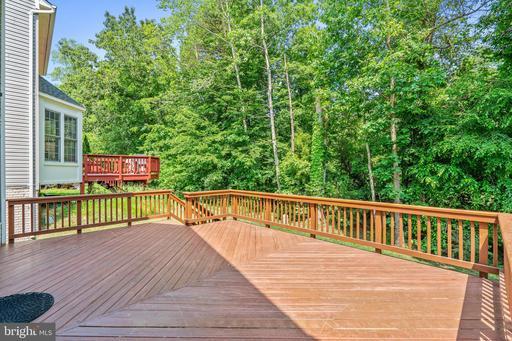 6585 Creek Run Dr Centreville VA 20121