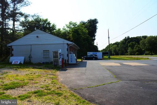 2045 Warrenton Rd Fredericksburg VA 22406