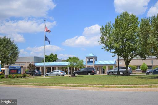 13506 Springhaven Dr Fairfax VA 22033