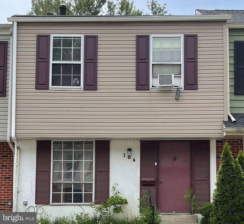 This listing is part of a ten-property portfolio that has consistently performed for more than 2 decades. This property is a 5-bedroom rooming house with a proven track record. For the right offer seller will consider breaking up the portfolio. Price determined based on income history. (7 Cap) This is a portfolio that includes the following MLS listings: DENC527540; DENC527564; DENC527572; DENC527574; DENC527576; DENC527580; DENC527576; DENC527598; DENC527600; DENC527610. Buy this complete investment portfolio for only $4,779,671.00