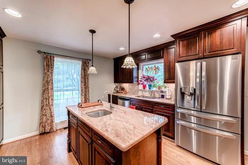 5114 Pheasant Ridge Rd Fairfax VA 22030