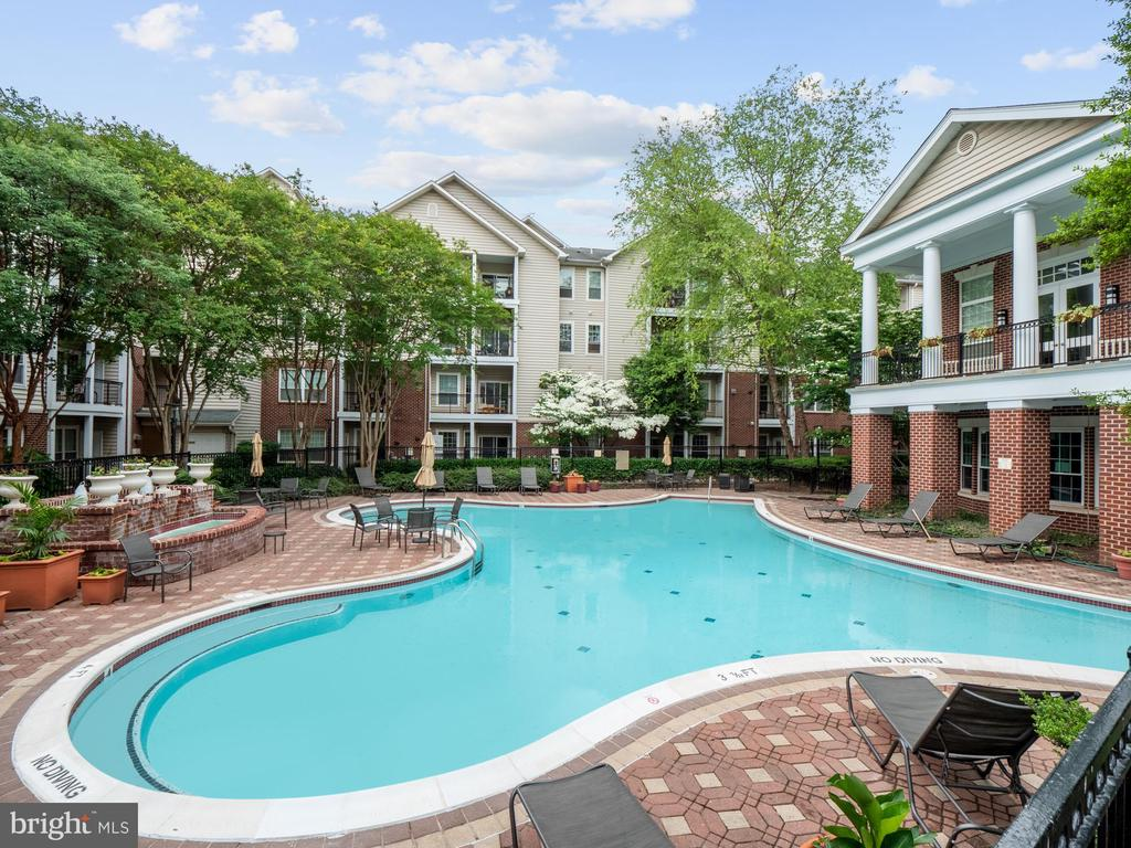 Photo of 1580 Spring Gate Dr #4202