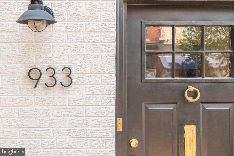 933 E Passyunk Avenue Philadelphia, PA 19147
