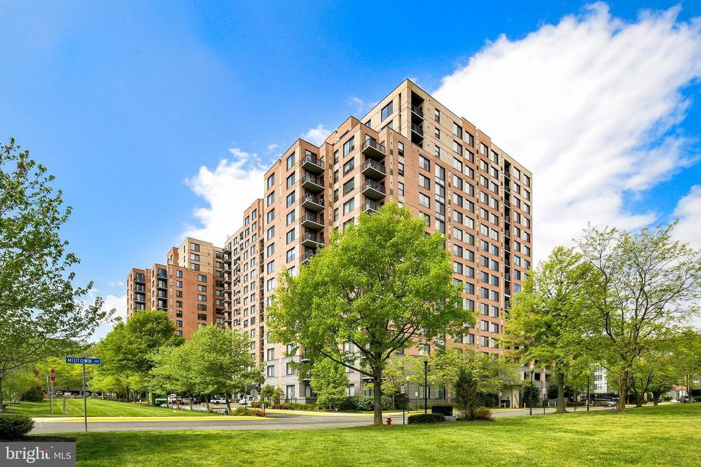 Photo of 2451 Midtown Ave #317