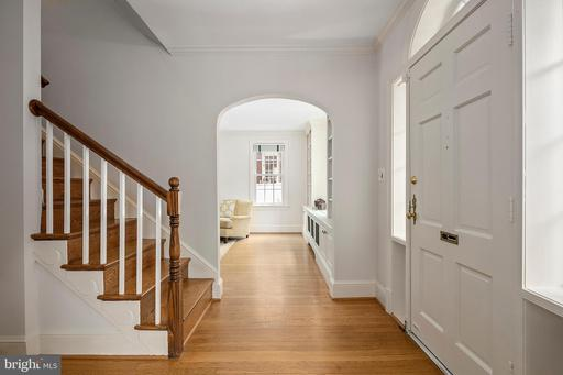 1925 N Harvard St Arlington VA 22201