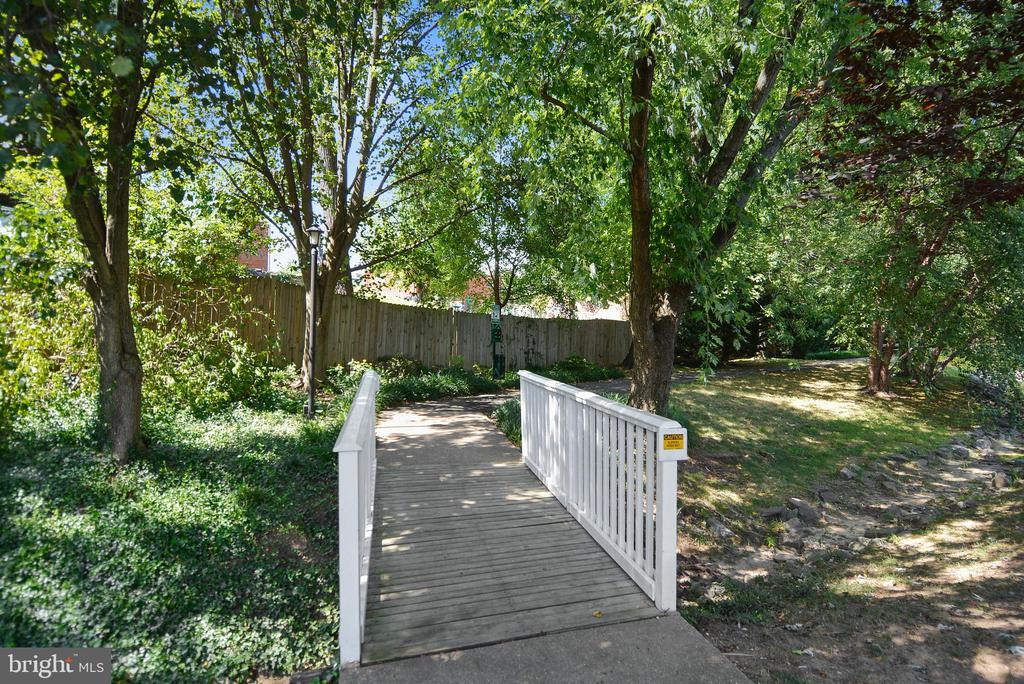 Photo of 3391 Lakeside View Dr #20-5