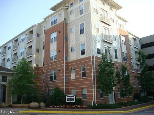 9486 Virginia Center Blvd #215