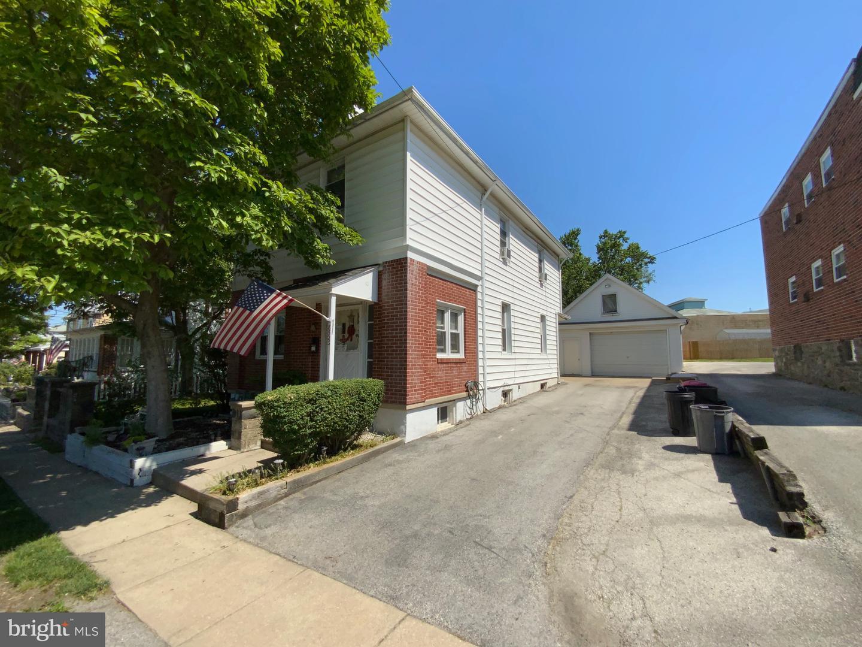 8523 Monroe Avenue Upper Darby, PA 19082
