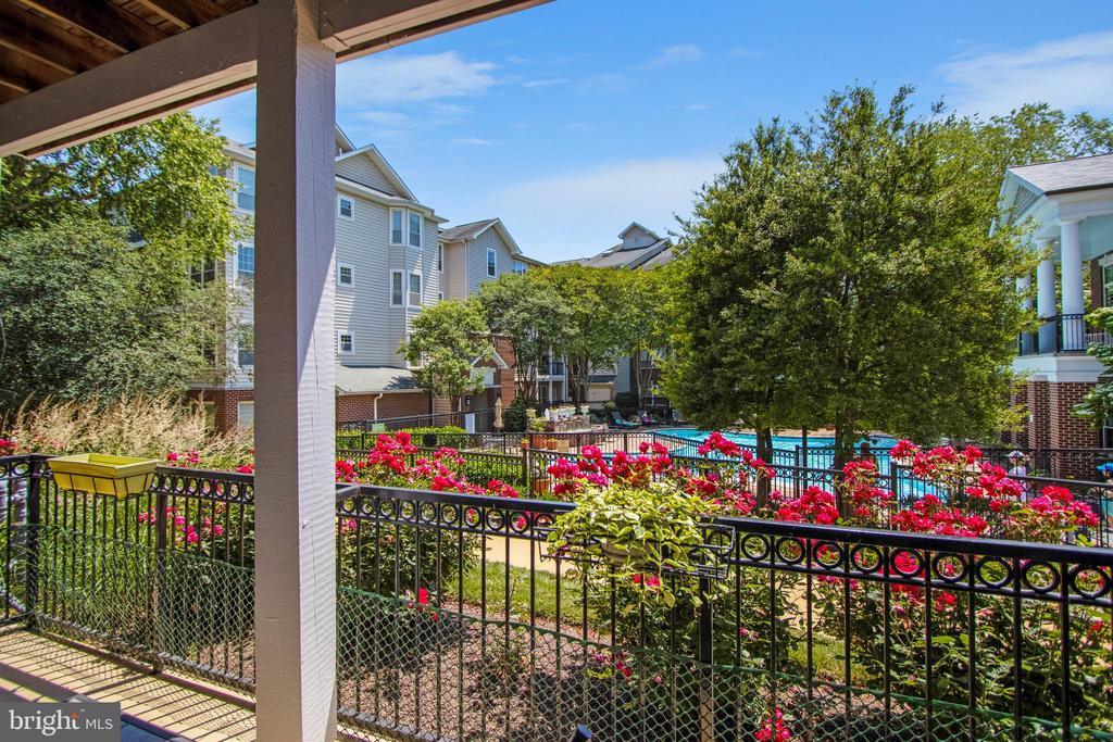 1530 Spring Gate Dr #9101, McLean, VA 22102