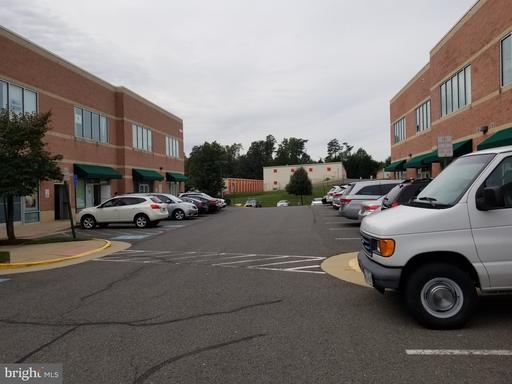 14641 Lee Hwy #204 Centreville VA 20121