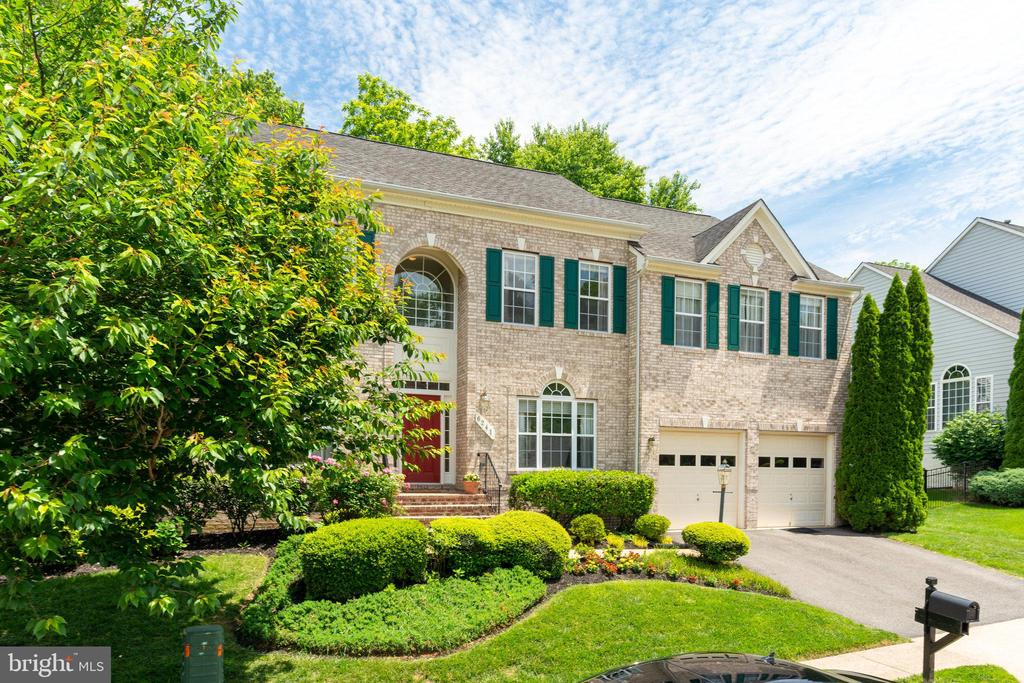 6241 Rolling Spring Ct