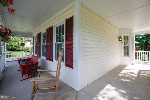 6723 White Post Rd Centreville VA 20121