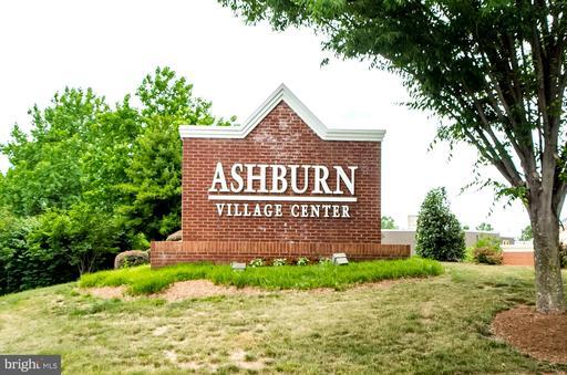 20733 Rainsboro Dr Ashburn VA 20147