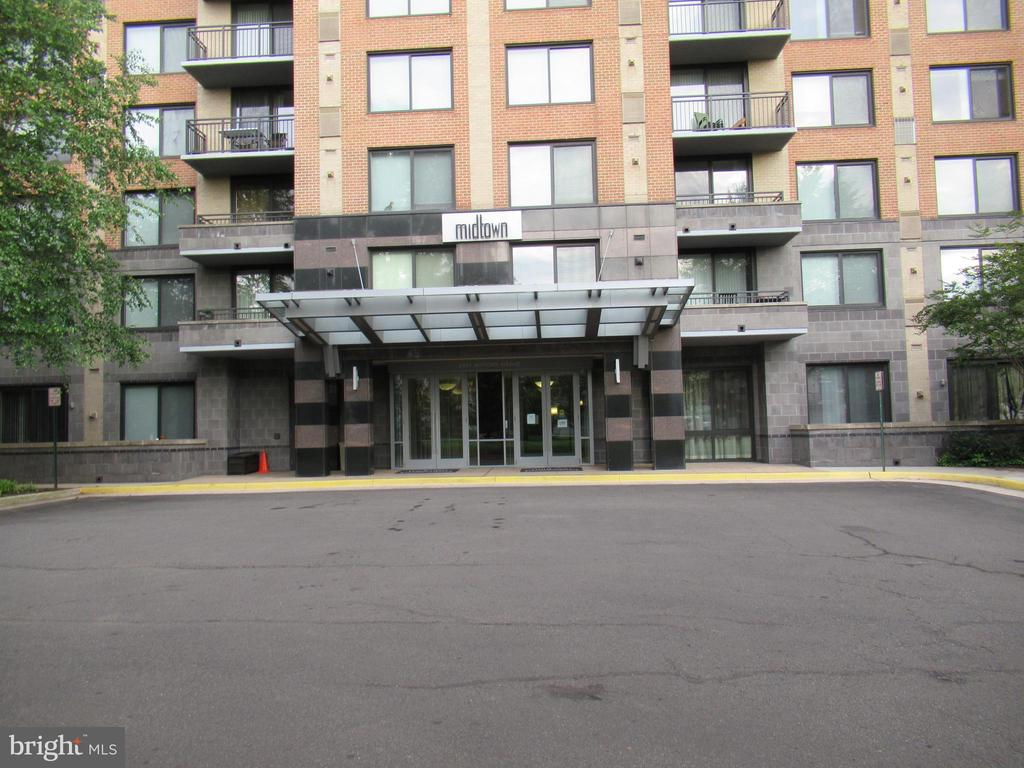 Photo of 2451 Midtown Ave #102