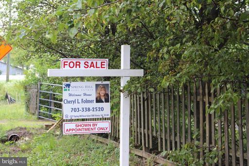 7201 Ordway Rd Centreville VA 20121
