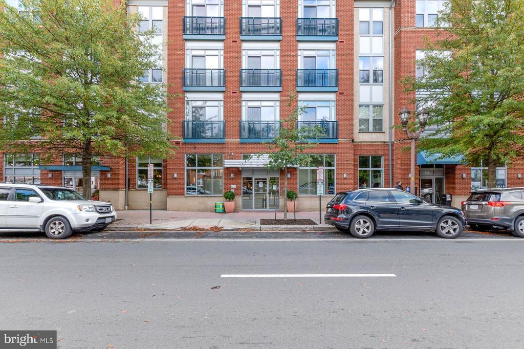 1800 Wilson Blvd #328, Arlington, VA 22201