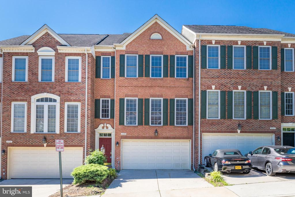 8439 Kirby Lionsdale Dr