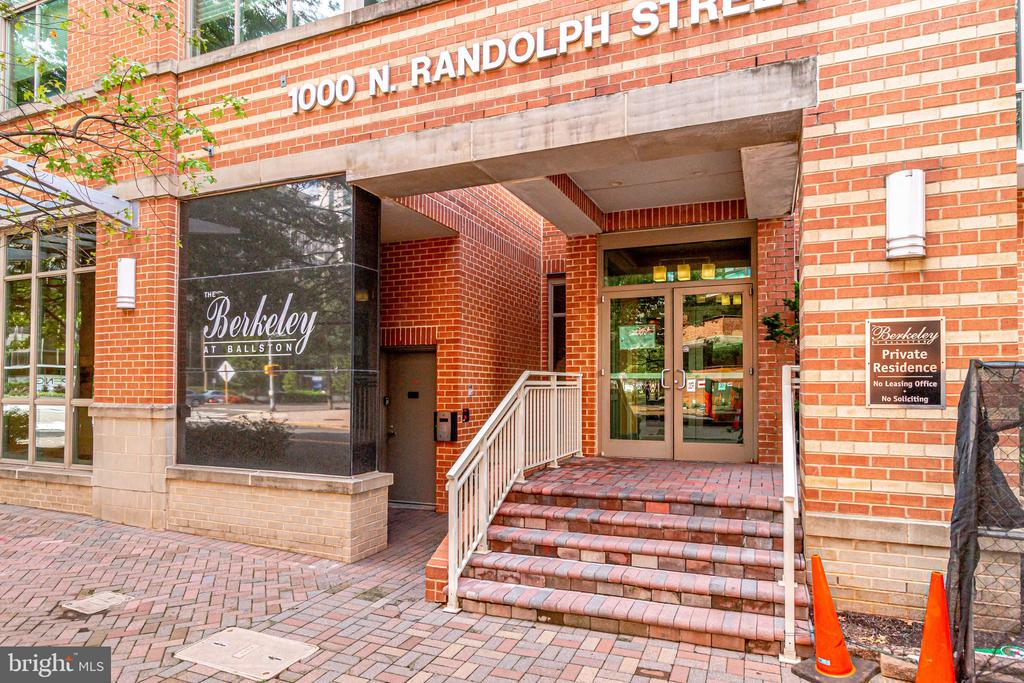1000 Randolph St N #904