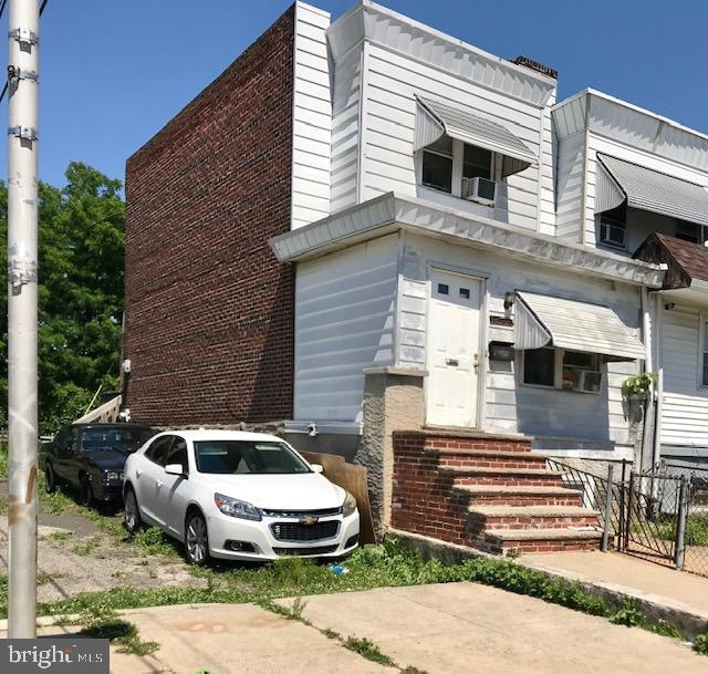 Investor/Contractor Alert!! End of Row in Elmwood park. Property will be purchased AS-IS. Buyer is responsible all transfer tax, City of Philadelphia Use/Occupancy permits and all required repairs.  House needs updating and repairs. Cash or hard money financing only.  Neither the seller or listing agent make any representation as to the accuracy of any information contained herein.  Items may or may not removed before settlement. Buyer must conduct their own due diligence, verification, research, and inspections and are relying solely on the results thereof.  Buyer to provide a $5,000 deposit within 24 hours of a signed Agreement of Sale.  Offers must include all PROOF OF FUNDS being used for transaction.