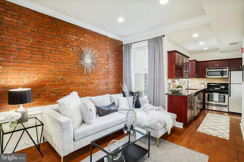 1611 Fairmount Avenue UNIT #2 Philadelphia, PA 19130